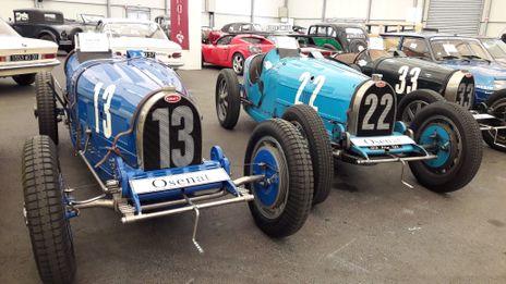 Neuf Bugatti aux encheres